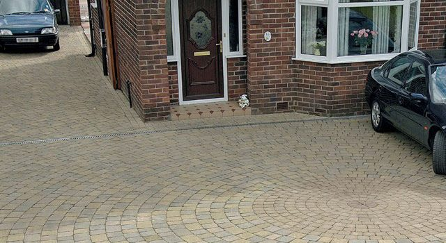 Drivesett Duo Circle Driveways in Croydon, Bromley & South London